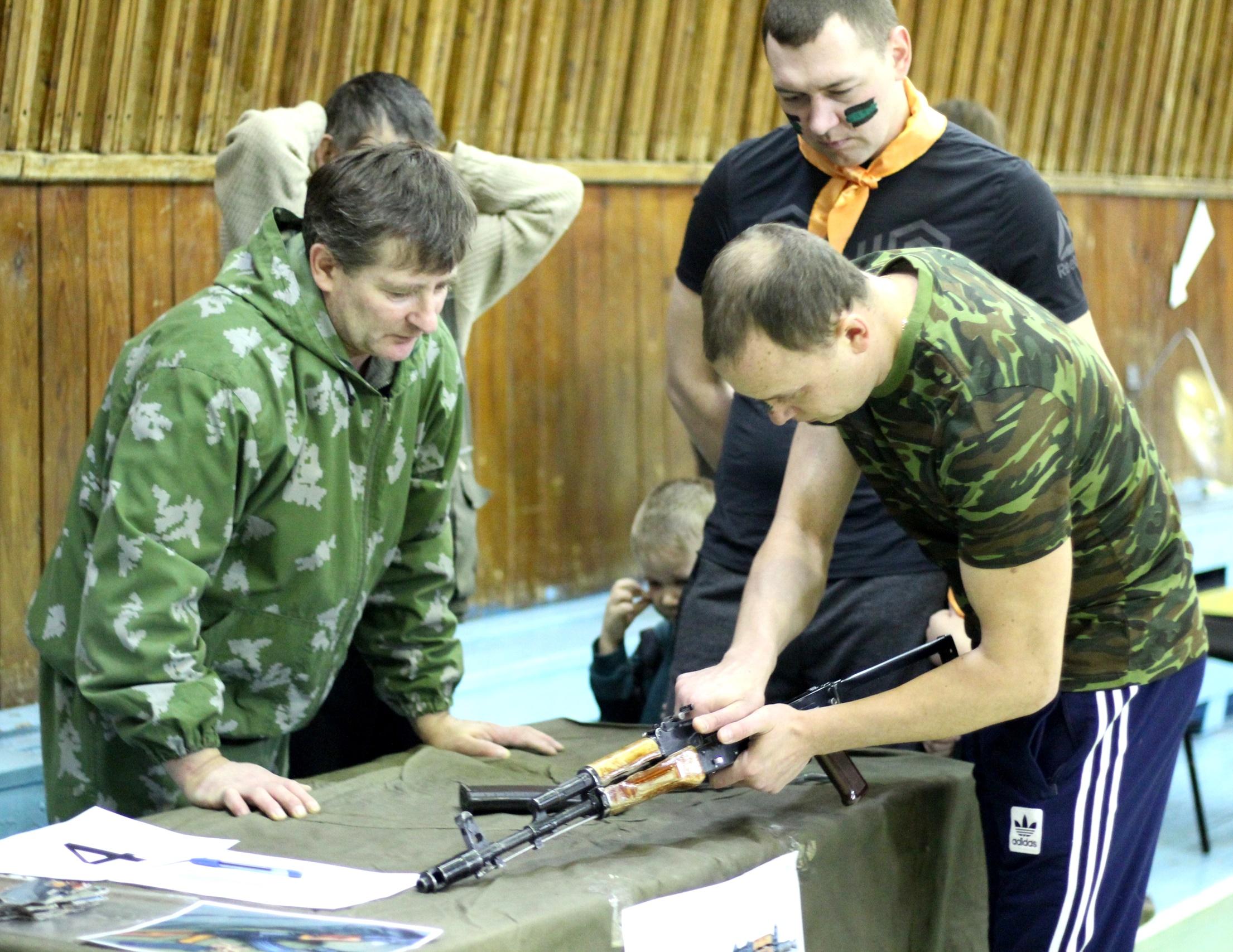 В Вынгапуровском  прошла семейная военно-спортивная игра: «РубежОК»